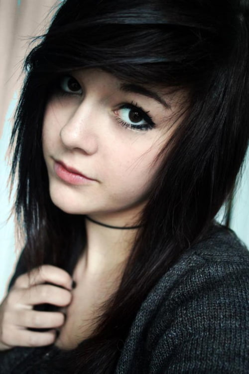 67 emo hairstyles for girls i bet you havent seen before side parted emo haircut urmus Choice Image