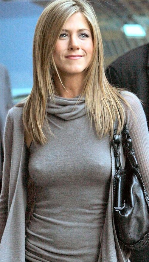 jennifer anniston nude breasts