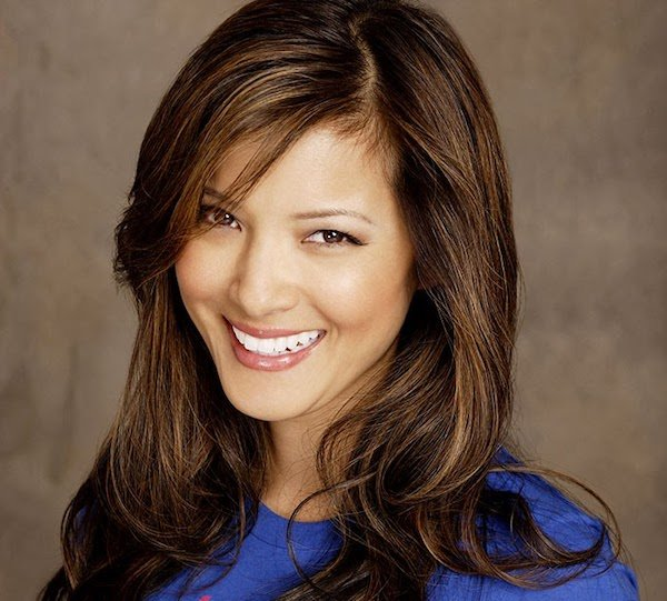 Verstecken einer Witwe Spitze: Kelly Hu &quot;width =&quot; 600 &quot;height =&quot; 541 &quot;data-jpibfi-post-excerpt =&quot; &quot;data-jpibfi-post-url =&quot; https: // www.betrendsetter.com/widows-peak-hairstyles/ &quot;data-jpibfi-post-title =&quot; 23 Frisuren, die die Frisur der Witwen für Frauen spitzen &quot;data-jpibfi-src =&quot; https://www.betrendsetter.com/wp- content / uploads / 2018/08 / hiding-widows-peak-kellyhu.jpg &quot;/&gt;</a><figcaption class=