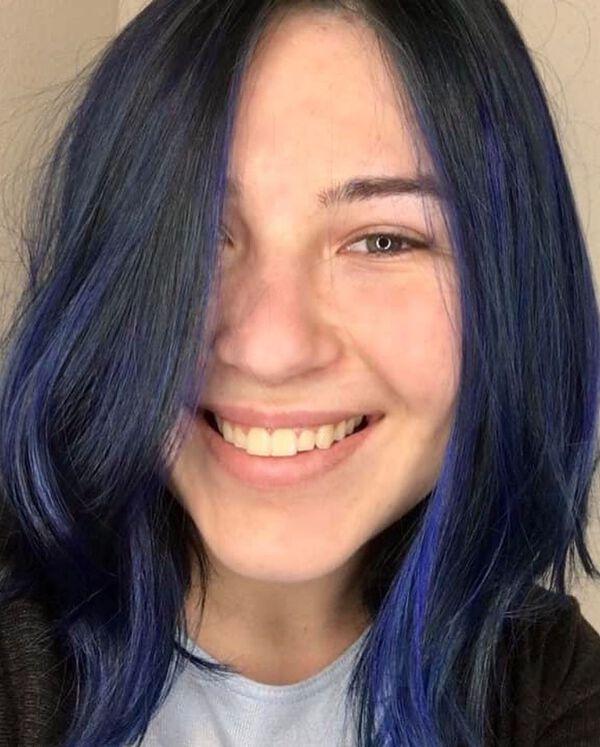 Lapis Blue Back Medium Hairstyle